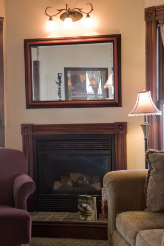 eagle cliff inn parlor fireplace